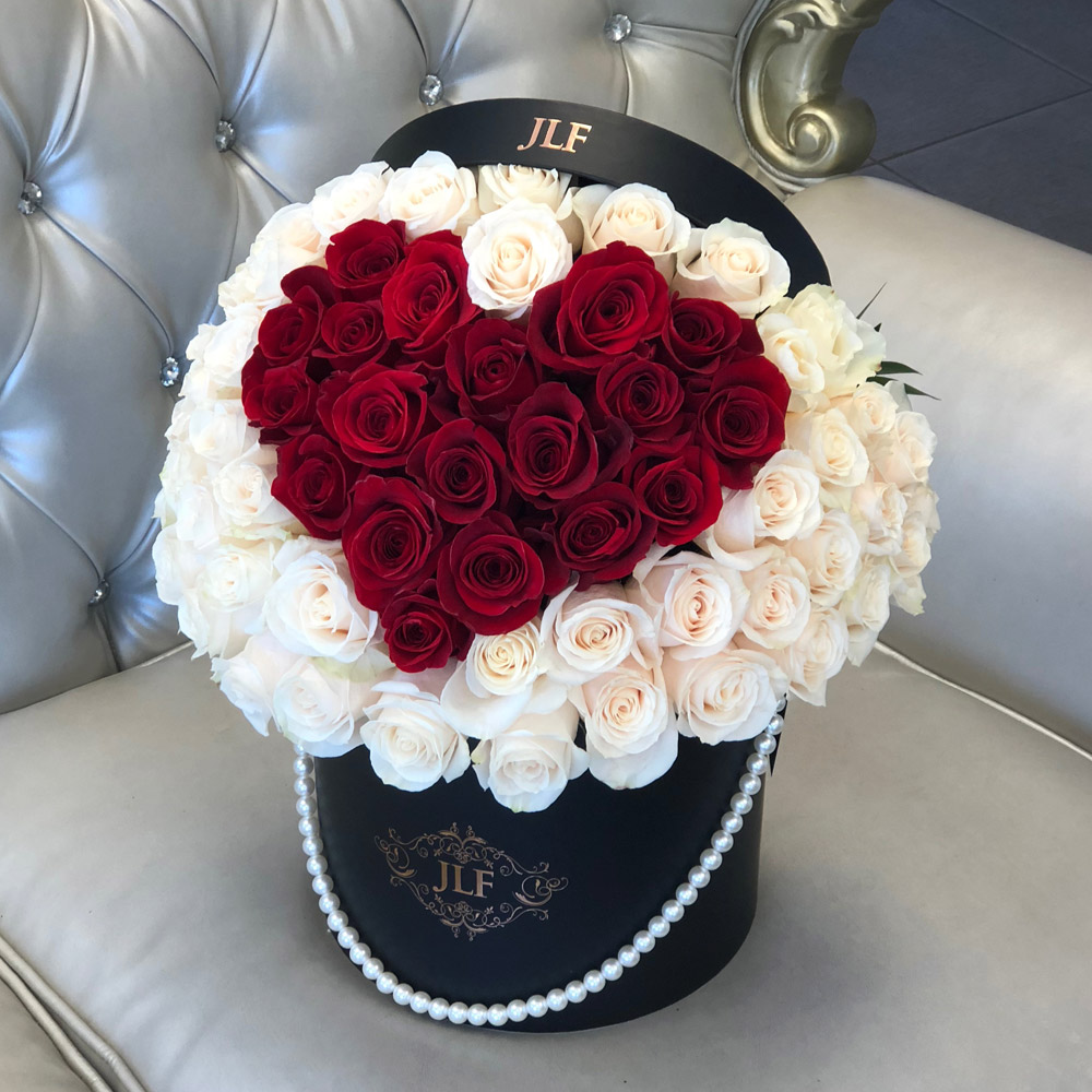 Signature 50 Heart Rose Box With Pearl Handle