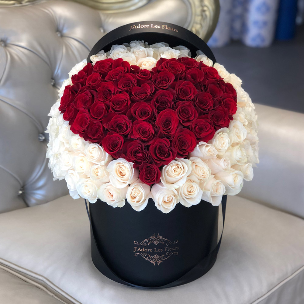 Signature 100 Red Heart Rose Box