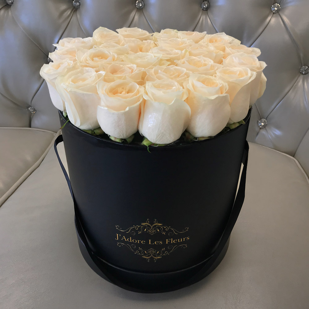 Yelena White Rose Box