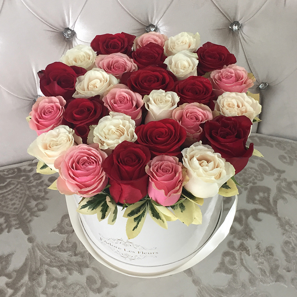 Yelena Multicolor Rose Box