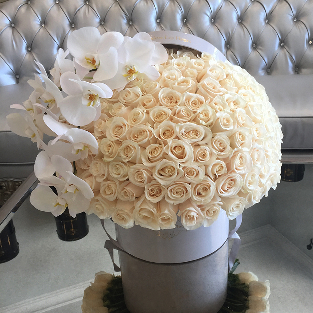 Signature 150 White Roses With Orchids