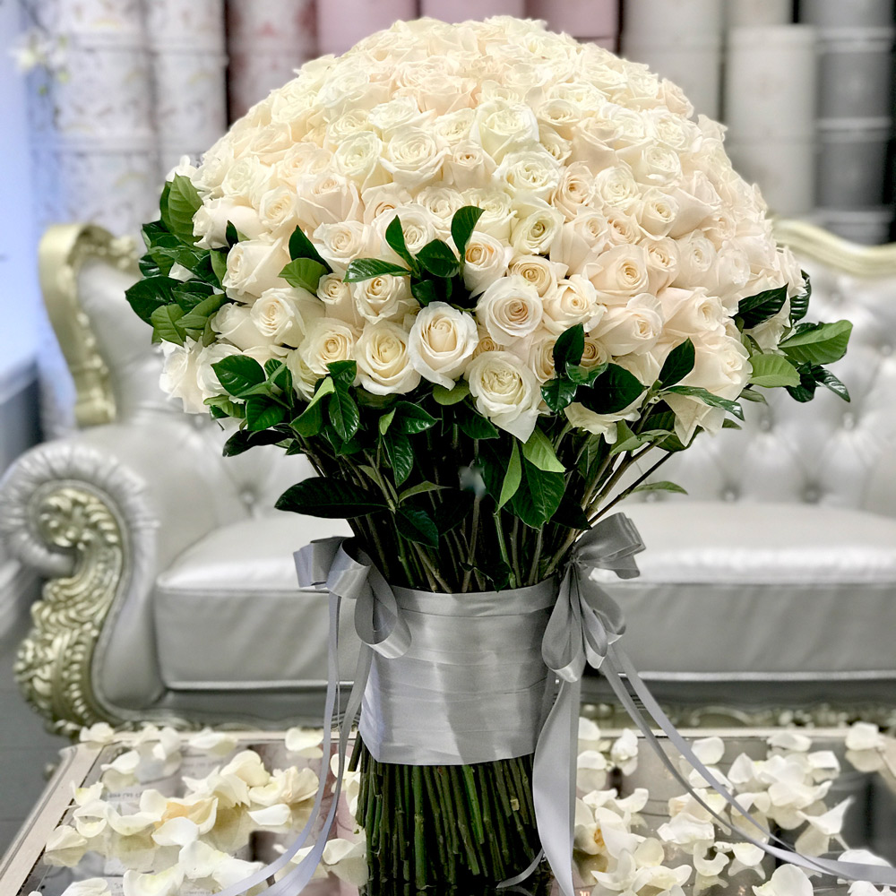 JLF 300 Standing Rose Bouquet
