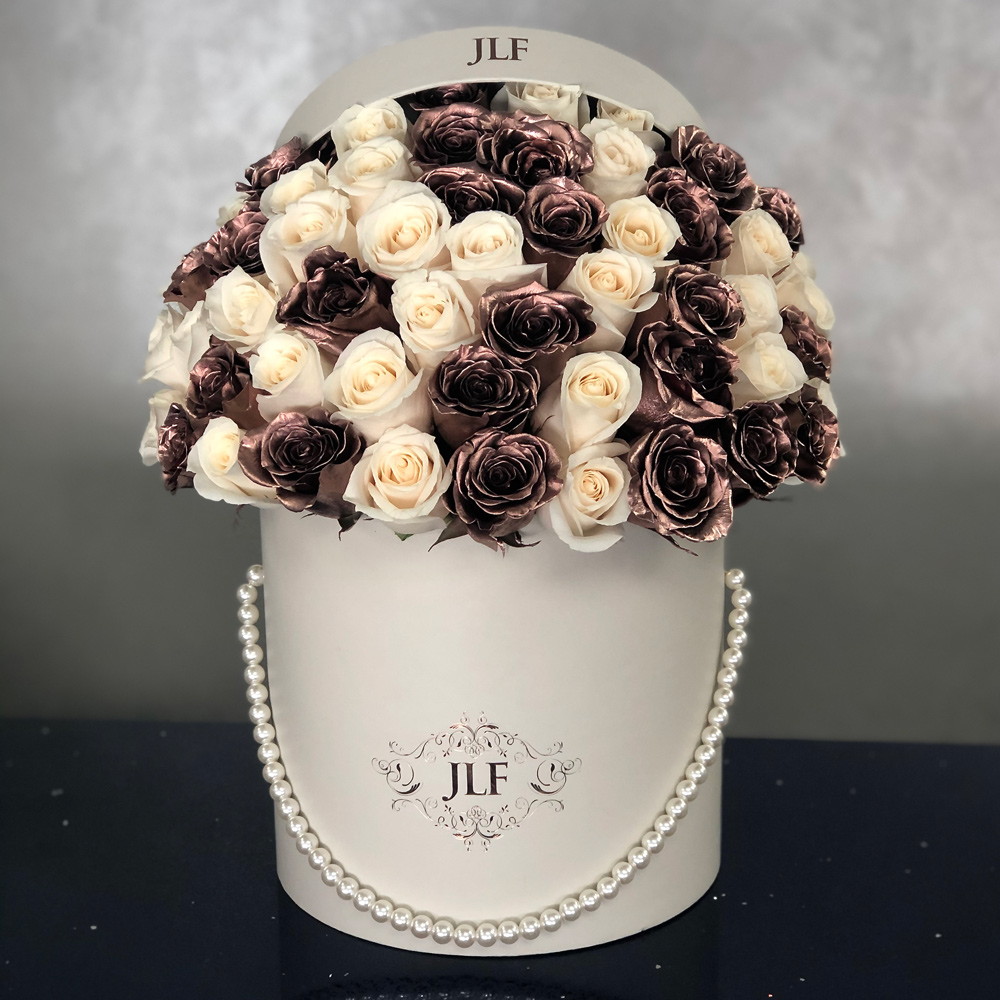 Signature 50 Rose Gold & White Roses With Pearl Handle