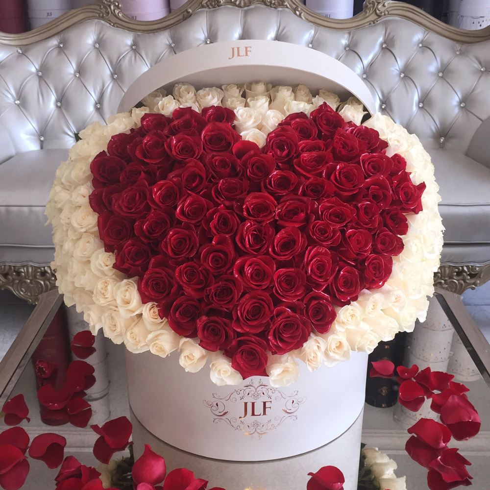 Signature Heart  300 Rose Box