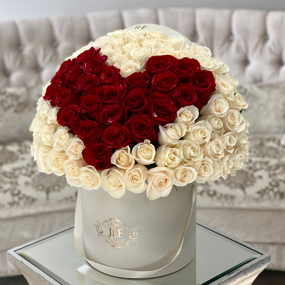 Signature 75 Red Heart Rose Box