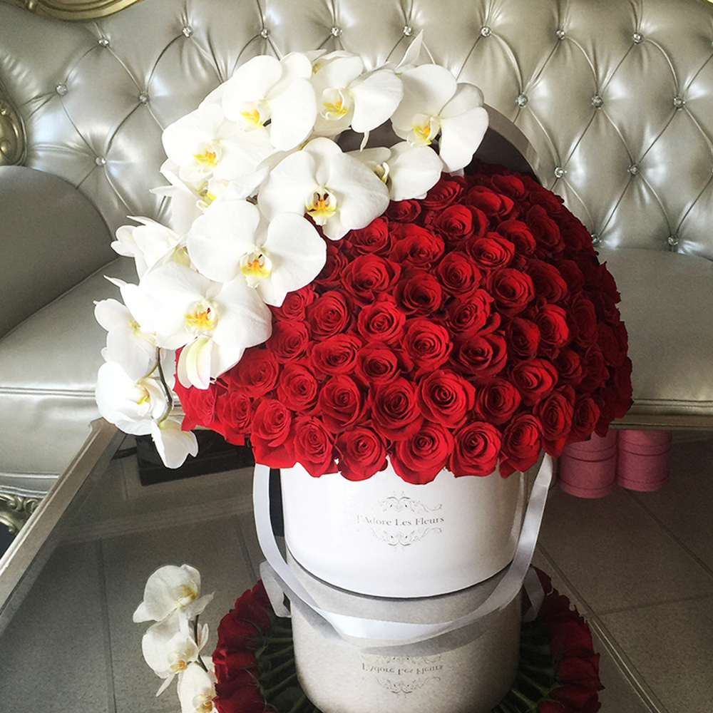 Signature 150 Red Roses With Orchids